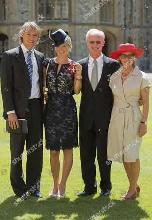 Stock Photo of Mark Tomlinson, Laura Bechtolsheimer MBE with father and mother Wilfred and Ursula Bechtolsheimer