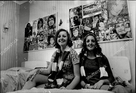 Julie Robinson (left) And Lynne (right) Daughters Of Comedian Cardew Robinson Douglas John Cardew Robinson (14 August 1917 Oo 28 December 1992) Was A British Comic Whose Craft Was Rooted In The Music Hall And Gang Shows.