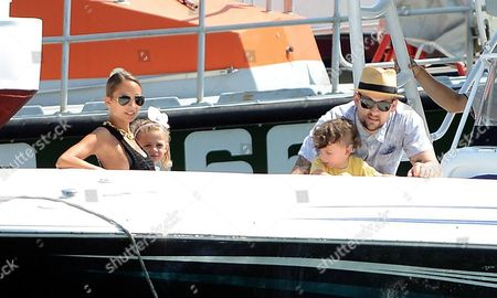 Nicole Richie with Joel Madden and their kids Harlow Madden and Sparrow Madden