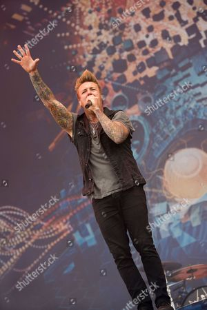 Castle Donington, Britain - Frontman Jacoby Shaddix Of American Rap Metal Group Papa Roach Performing Live On The Main Stage At Download Festival