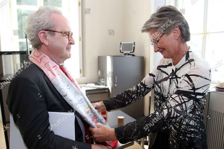 John Banville and Culture Minister Claudia Schmied