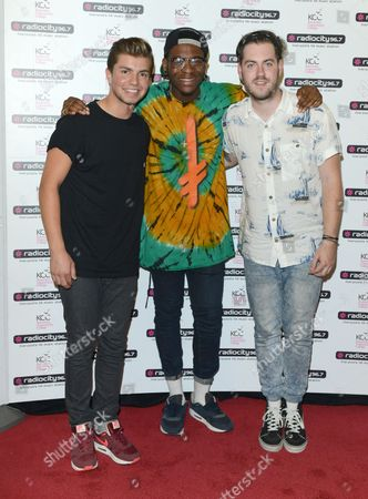 Stock Picture of The Loveable Rogues - Sonny Jay, Te Eugene [Tay], Eddie Brett