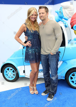 Stock Picture of Nancy O'Dell and Keith Zubulevich