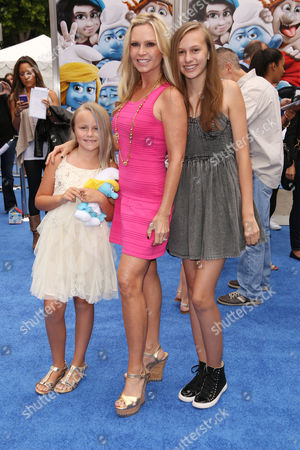 Tamra Vieth-Barney with daughters Sidney and Sophia