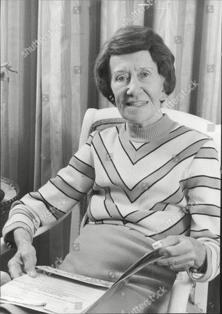 Stock Picture of Actress Dame Flora Robson At Home In Brighton Dame Flora Mckenzie Robson Dbe (28 March 1902 Oo 7 July 1984) Was An English Actress And Star Of The Theatrical Stage And Cinema Particularly Renowned For Her Performances In Plays Demanding Dramatic And Emotional Intensity. Her Range Extended From Queens To Villainesses.