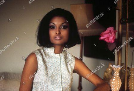 SHAKIRA CAINE AKA BAKSH - 1969