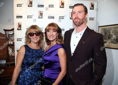 Jane Seymour with son Sean Flynn and sister Sally Frankenberg