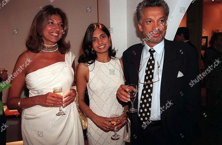 GULU LALVANI WITH EX WIFE VIMLA AND DAUGHTER
