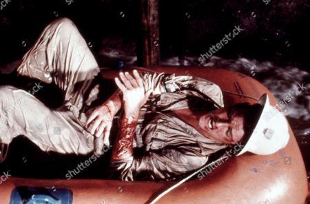Gold (1974) - Sir Roger Moore, Peter Hunt (Dir)