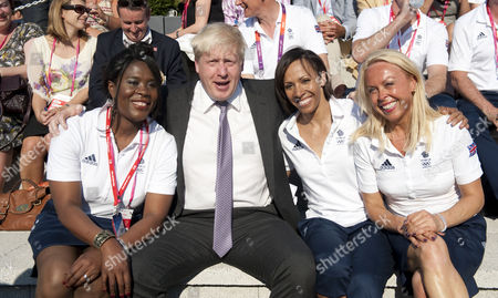 Mayor Of London Boris Johnson With Tessa Sanderson Dame Kelly Holmes And Jane Torvill At The Welcome Team Gb To The Olympic Village Stratford East London.