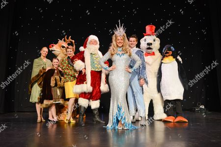 Stock Image of Claire Sweeney (Ice Queen), Peter Edbrook (Santa Claus), Carys Gray (Ms Drift), Andrew Edwards (Jack Frost), Naomi Slater (Jenny) and Chrissy Kett (Anna)