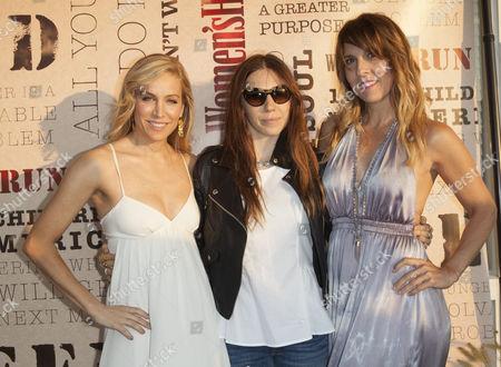 Laura Frerer-Schmidt, Zosia Mamet and Michele Promaulayko