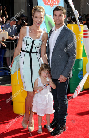 Ashley Scott with husband Steve Hart and daughter Ada