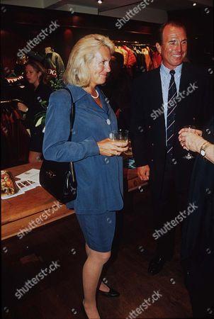 CAPTAIN MARK PHILLIPS AND WIFE SANDY PFLUEGER