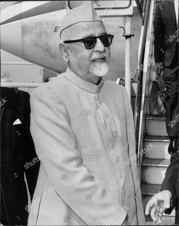 Dr Zakir Hussain President Of India Arriving At Heathrow Airport England (died 5/69).