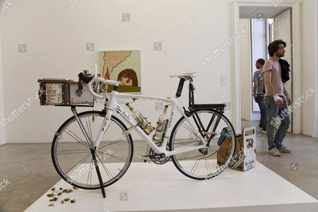 Galerie Emmanuel Perrotin Paris France