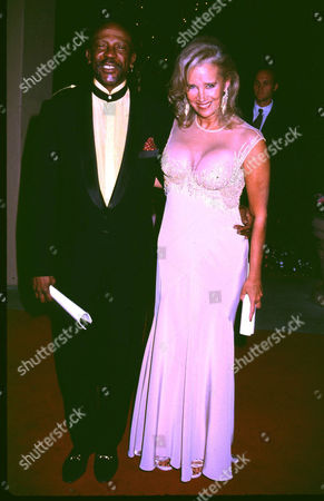Stock Picture of LOUIS GOSSET JNR AND WIFE DIANDRA