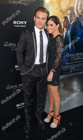 Stock Picture of Kevin Zegers and wife Jaime Feld