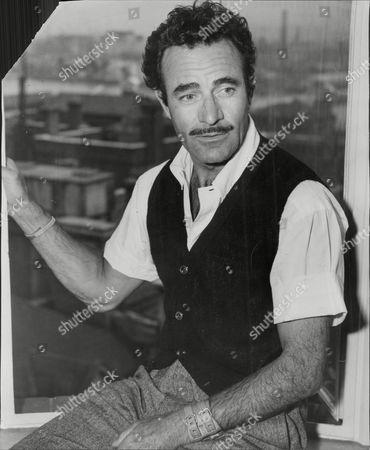 Gilbert Roland Actor.