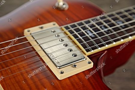 Detail Of The Prs 53/10 Covered Humbuckers On A Prs Se Bernie Marsden 53/10 Ltd Electric Guitar