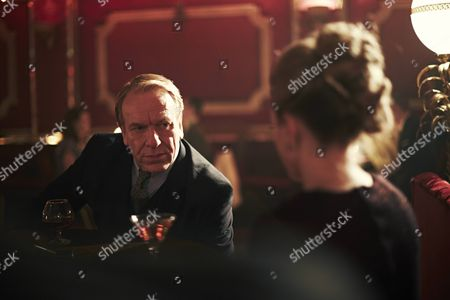 Clive Wood as Vic Kasper