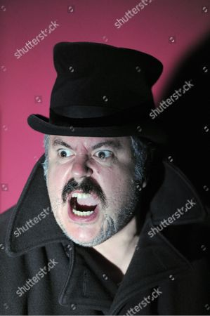 Stock Picture of Rob Crouch as Oliver Reed