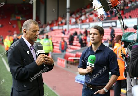 Mark Halsey and Michael Owen working for BT Sport before the game