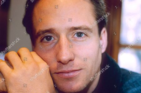 Stock Picture of LINUS ROACH