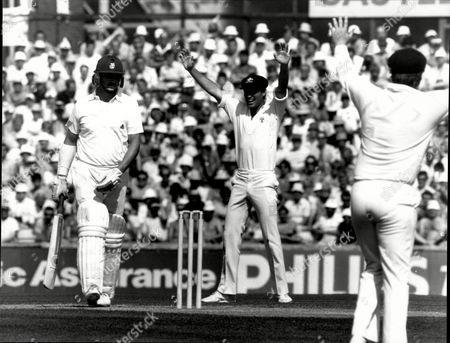 Cricket: Australian Tour Of England 1985 - England V Australia 6th Test - Richard Ellison Walks Back To The Pavilion.