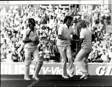 Cricket: Australian Tour Of England 1985 - England V Australia 6th Test At The Oval - Richard Ellison And Ian Botham Celebrate The Dismissal Of Dirk Welham.