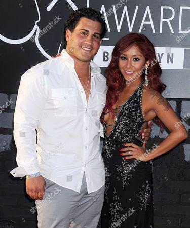 Nicole Snooki Polizzi and boyfriend Jionni LaValle.