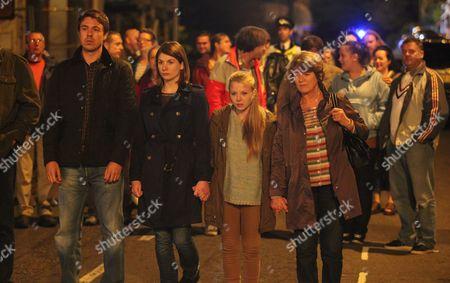 Andrew Buchan as Mark Latimer, Jodie Whittaker as Beth Latimer, Charlotte Beaumont as Chloe Latimer and Susan Brown as Liz Roper