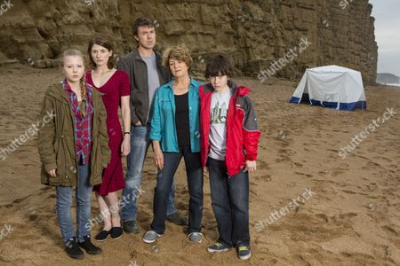 Charlotte Beaumont as Chloe Latimer, Jodie Whittaker as Beth Latimer, Andrew Buchan as Mark Latimer, Susan Brown as Liz Roper and Oskar McNamara as Danny Latimer.
