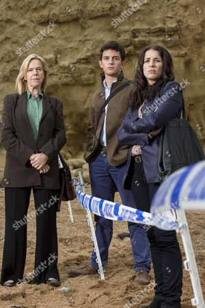 Carolyn Pickles as Maggie Radcliffe, Jonathan Bailey as Ollie Stevens and Vicky McClure as Karen White