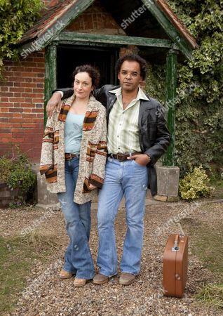 Lucy Cohu as Vivian Turner and Peter De Jersey as John