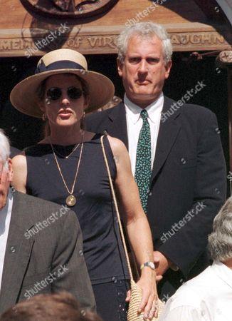 CAROLINE KENNEDY SCHLOSSERG AND HUSBAND ED SCHLOSSBERG