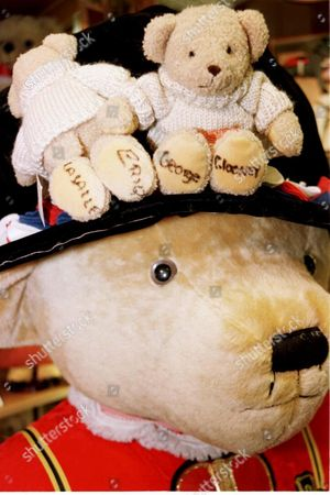TEDDY BEARS SIGNED BY ERIQ LASALLE AND GEORGE CLOONEY