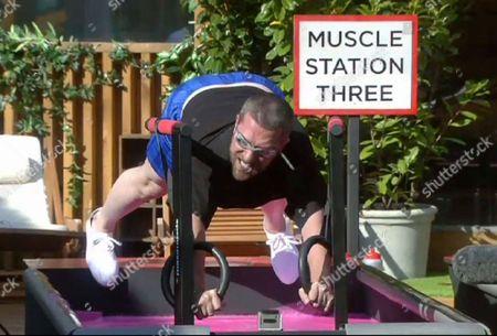 Pull Your Weight Task - Dustin Diamond