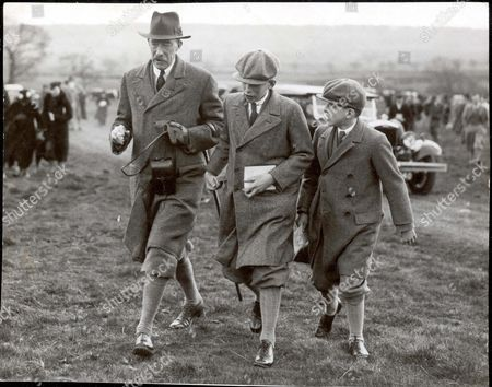 Henry Lascelles 6th Earl Of Harewood With His Two Sons George Lascelles 7th Earl Of Harewood And The Hon Gerald Lascelles At The Bramham Moor Hunt Point At Swindon Wood. Pkt1218 - 042104.