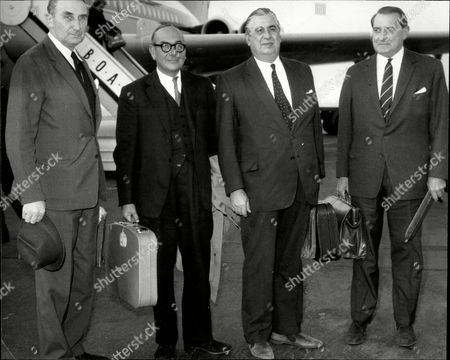 Four Businessmen Returning From Rhodesia At Heathrow After Trying To Negotiate With Ian Smith Left To Right Trevor Peppercorn John Pears Sir Peter Runge And Ernie Faulkner.