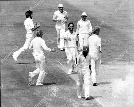 Cricket: West Indies Tour Of England 1980 - England V West Indies Cornhill Test At The Oval - Ian Botham Leads The Congratulations As Graham Dilley Dismisses Deryck Murray.