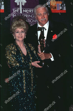 Stock Picture of DEBBIE REYNOLDS AND HOWARD KEEL