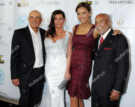 Robert Shapiro, Linell Shapiro, guest and Berry Gordy