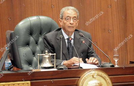 Former presidential candidate and opposition leader Amr Moussa addresses the 50-member panel that has been tasked with drawing up a new constitution
