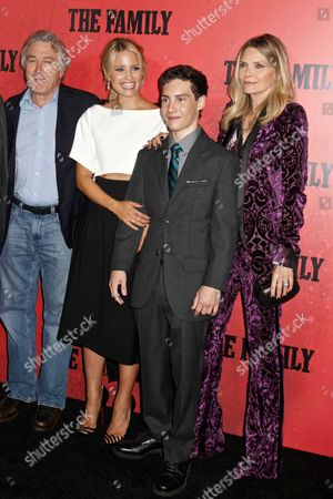 Robert De Niro, Dianna Agron, John D' Leo and Michelle Pfeiffer