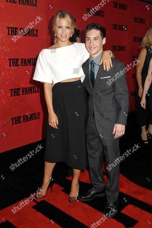 Dianna Agron and John D' Leo