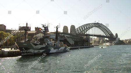SSS Sam Simon by the Harbour Bridge