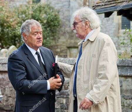 Max Boyce speaking with Des Lynam