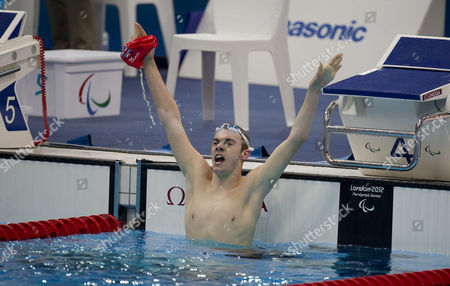 Nws-lry- Paralympics Swimming Aquatics Centre Olympic Park Stratford. Josef Craig Competes In The Men's 400m Freestyle S7 And Reacts To His First Place Position And World Record.