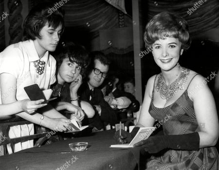 June Thorburn (8 June 1931 Oo 4 November 1967) Was A Popular English Actress Whose Career Was Cut Short By Her Death In An Air Crash Pictured At The Weekend Ball At The Lyceum.